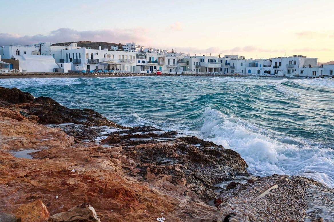 Le village de Naoussa sur l'île de Paros, Grèce