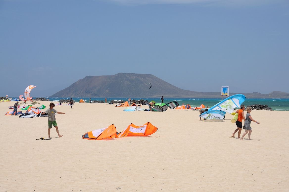 kite-surfeurs à corralejo