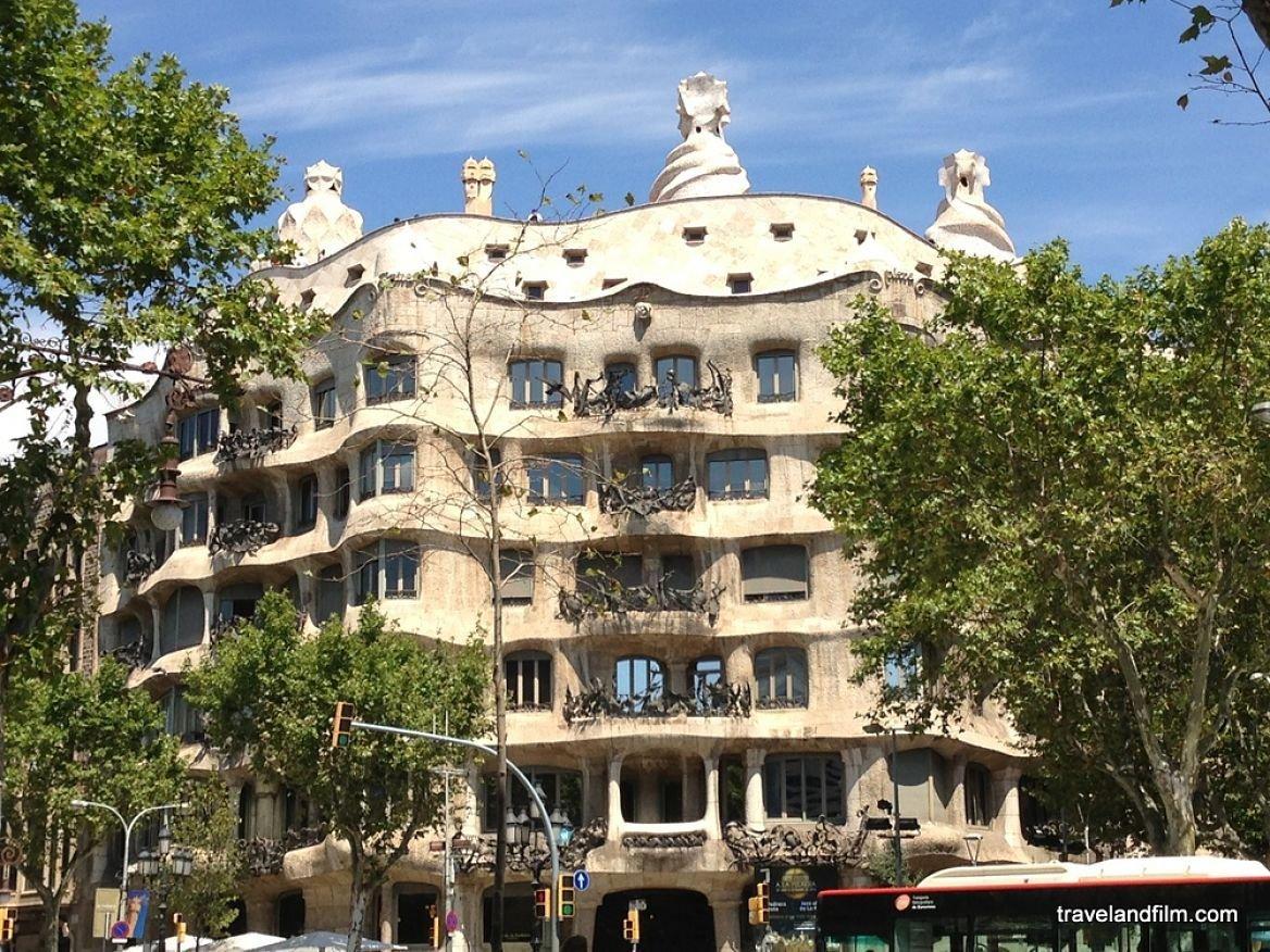 Casa Mila (Gaudi) ©Emily de Travel and Film