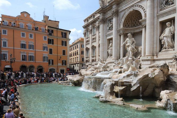 Fontaine de Trevi rome incontournables