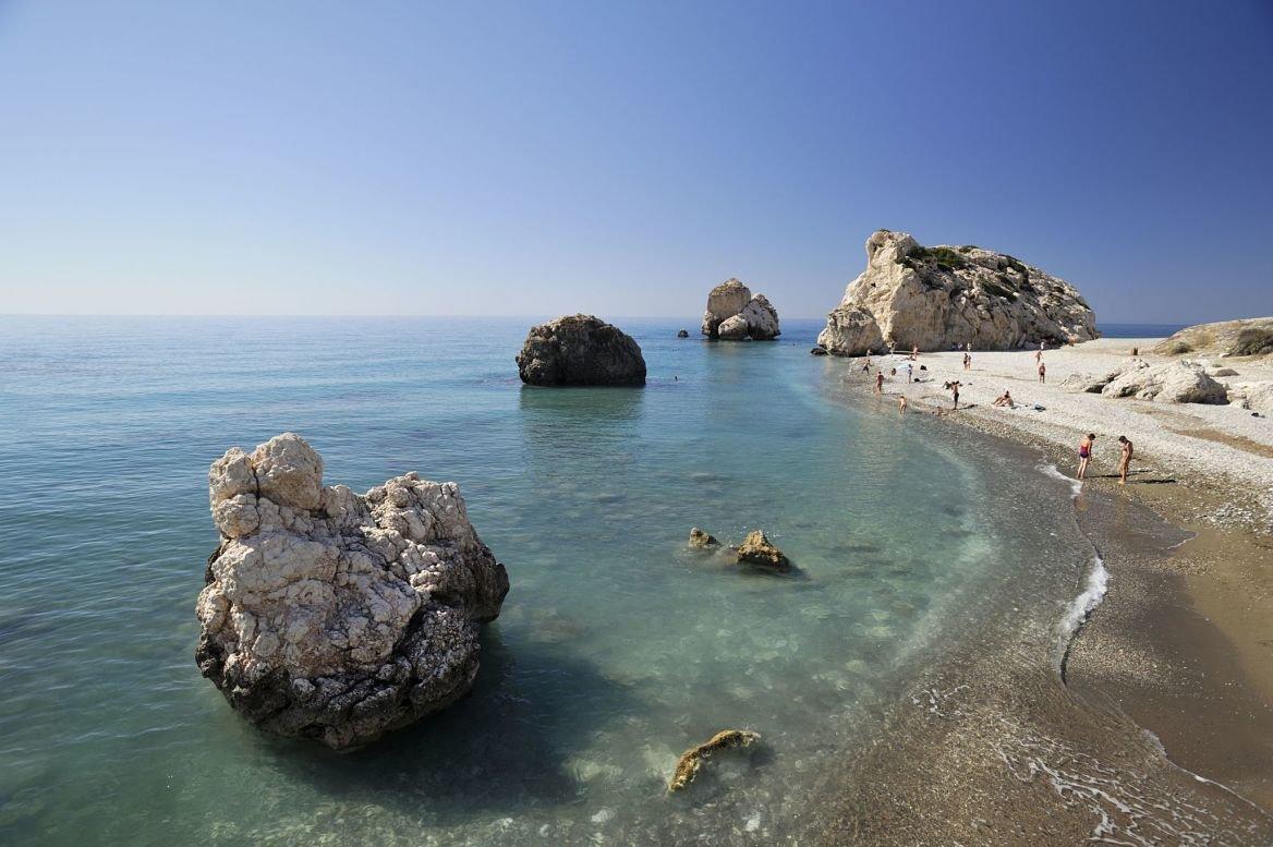 Chypre, district de Paphos, Petra tou Romiou, rocher d'Aphrodite dans la baie. ©Richard Soberka/hemis.fr