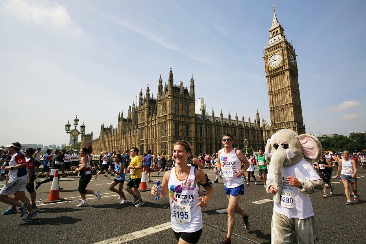 Coureurs lors d'un marathon à Londres, Angleterre