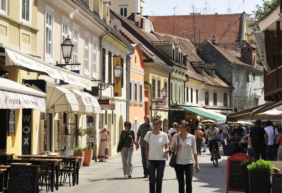 Vieille ville, quartier Kaptol, rue piétonne Tkalciceva, Zagreb, Croatie