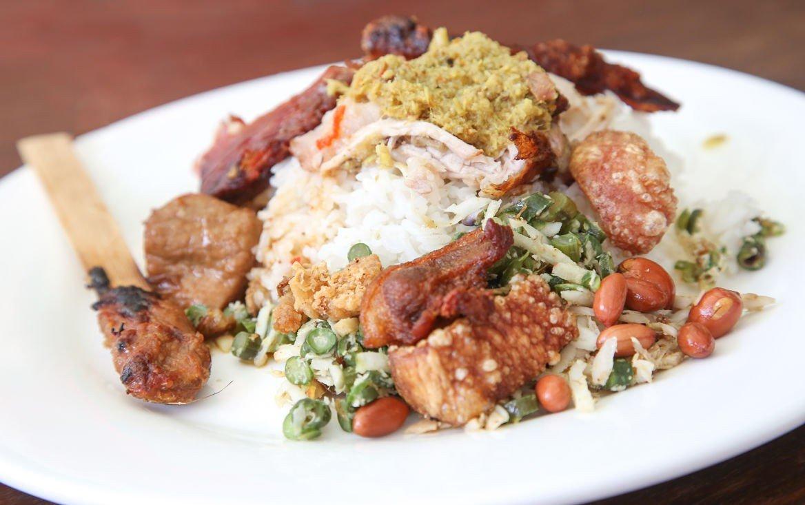 Porc rôti et riz, Bali
