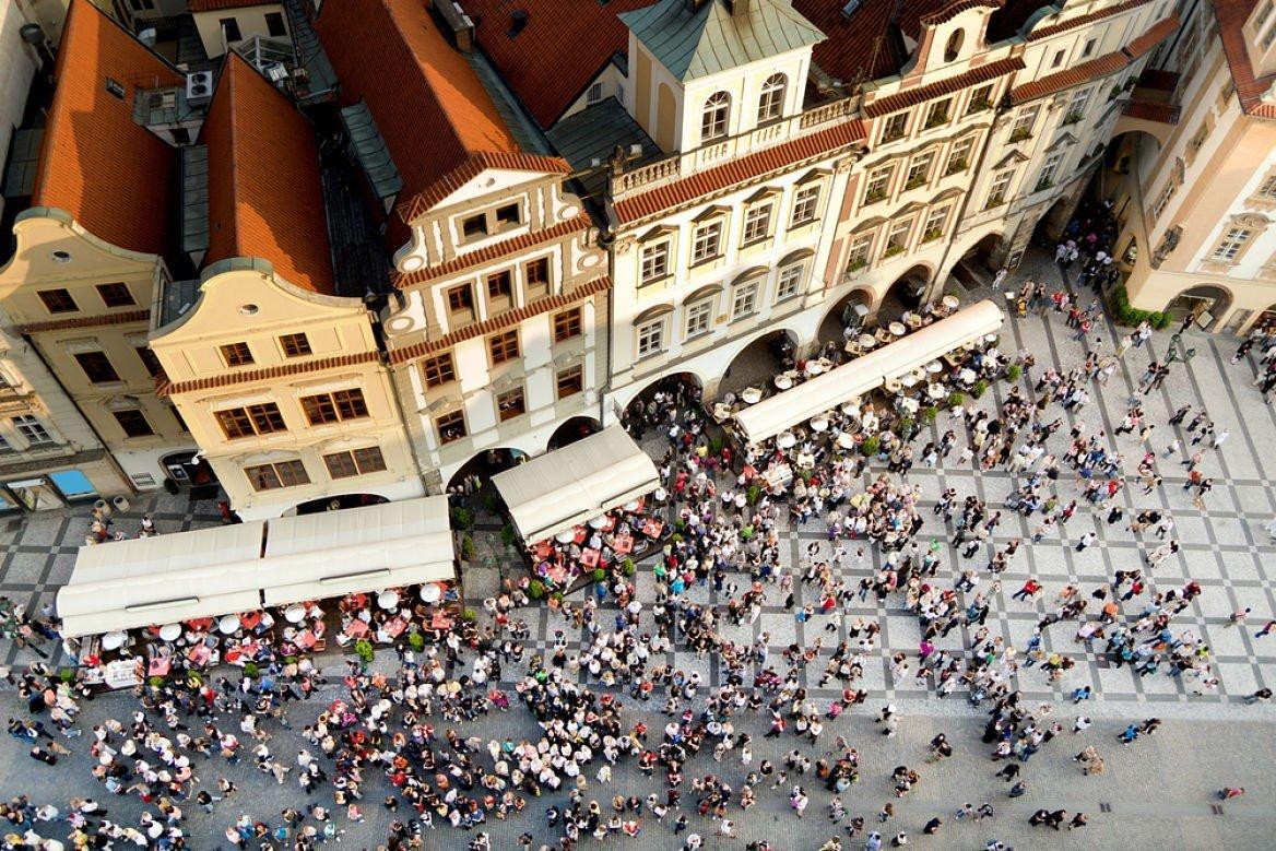 Place de la Vieille-Ville, Prague ©Artur Bogacki/Shutterstock