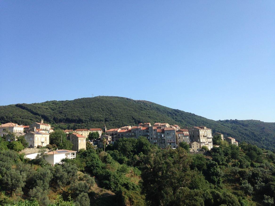 Corse, village