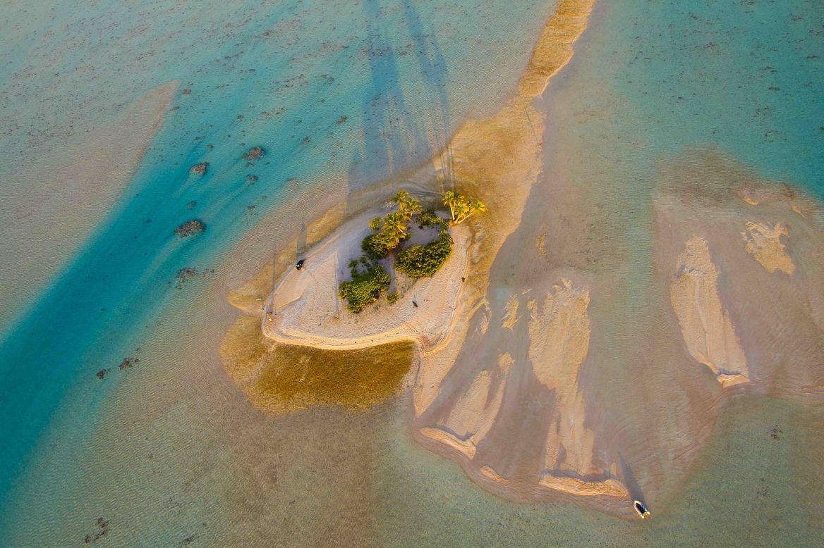 Vue aérienne de Tuamotu © Ben Thouard