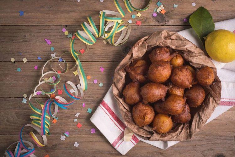 Dessert du carnaval de Venise en Italie, appelées fritelles