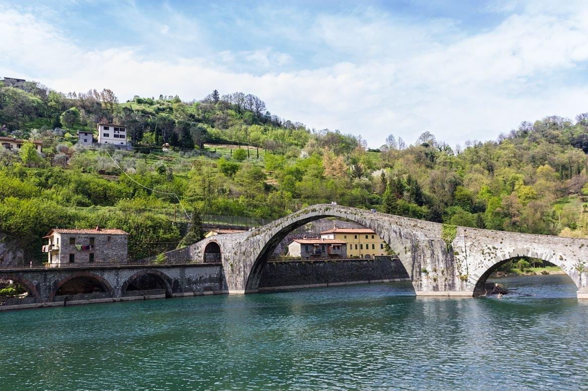 Le pont de la Madeleine dans la région de Garfagnana