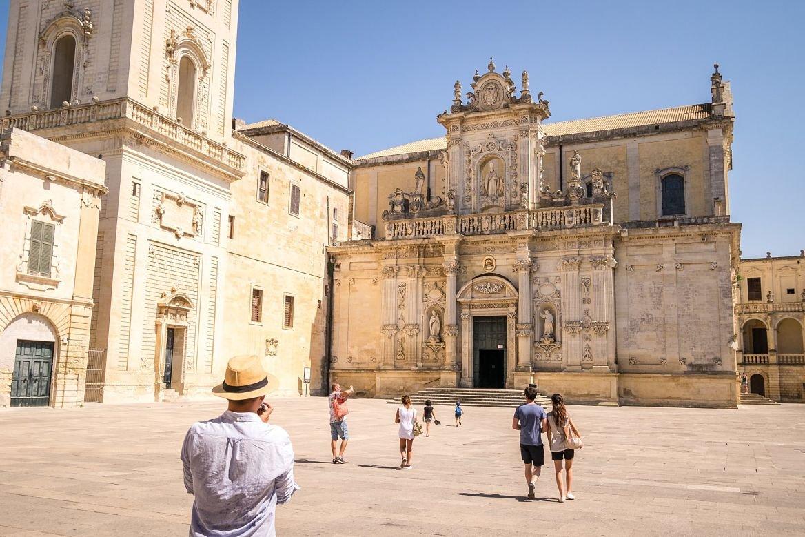 La piazza del Duomo, dans le centre de Lecce en Italie