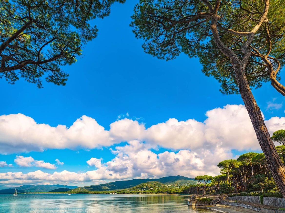La baie de Punta Ala en Italie