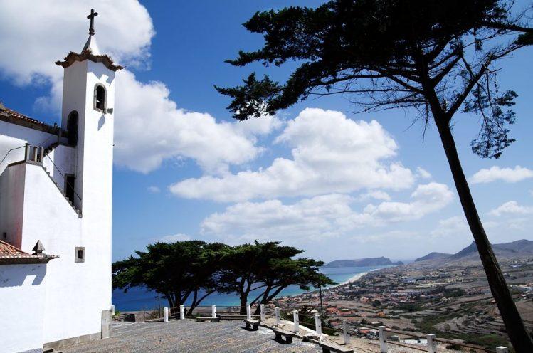 Vue sur la Vila Baler et Porto Santo, Madère.