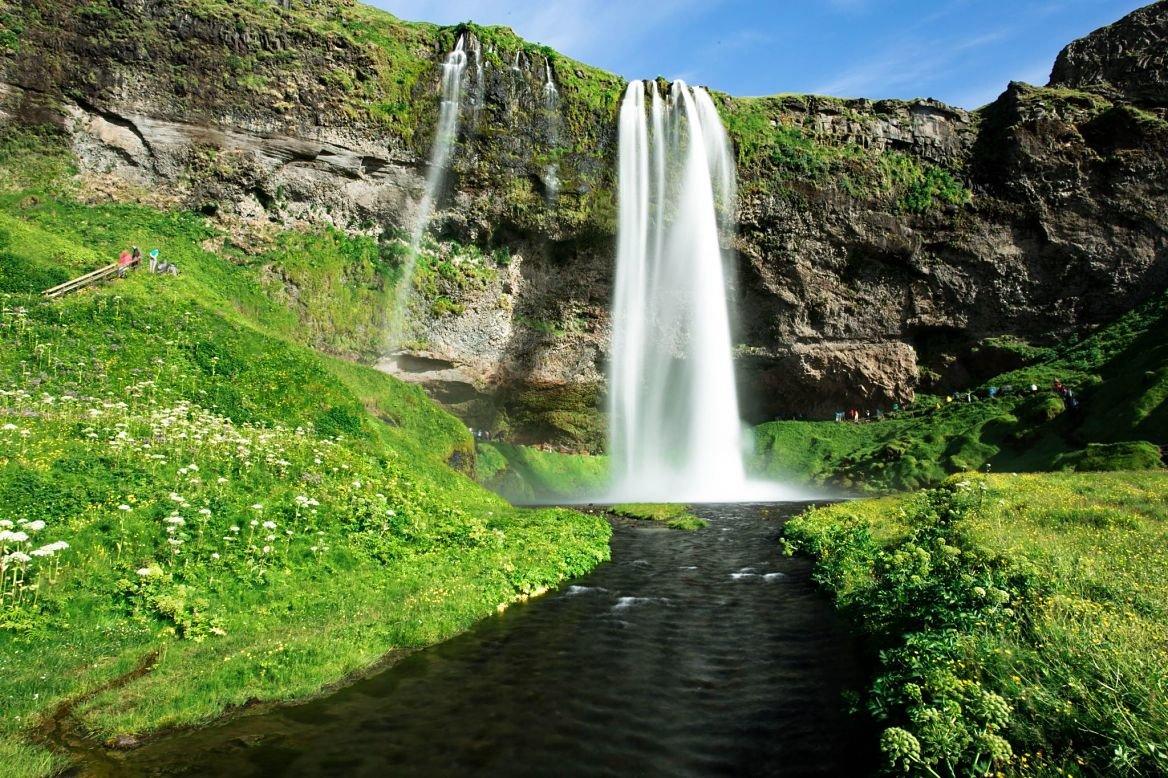 Les cascades de Seljalandsfoss