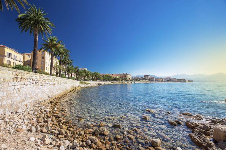ajaccio corse mediterranee mer vacances mai