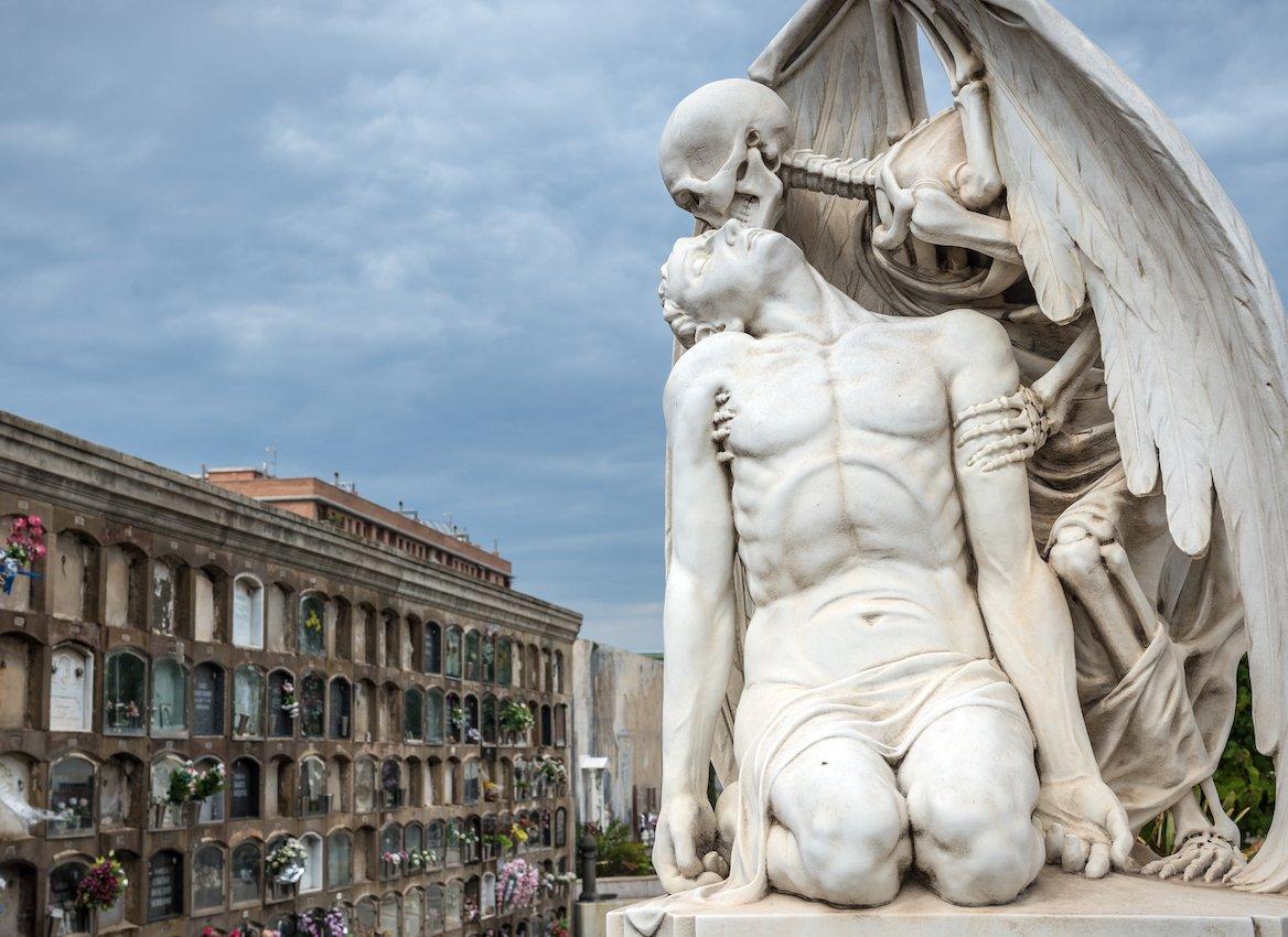 statue-cimetière-poblenou-barcelone-espagne-catalogne