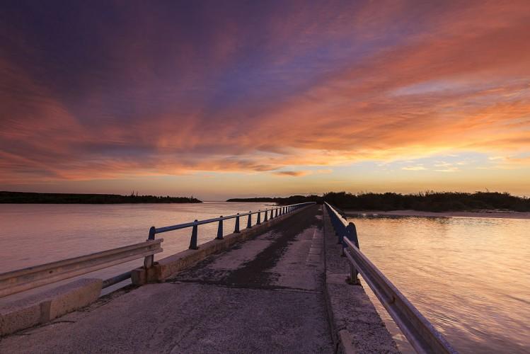 Coucher de soleil, Pont de Mouli, Nouvelle Calédonie