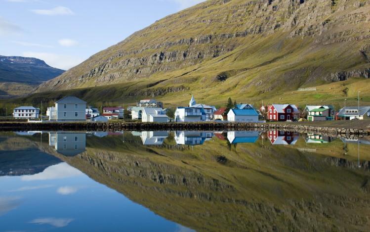 Seydisfjördur, village en Islande