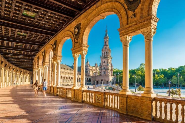La place d'Espagne, à Séville, est un des lieux de tournage de Star Wars