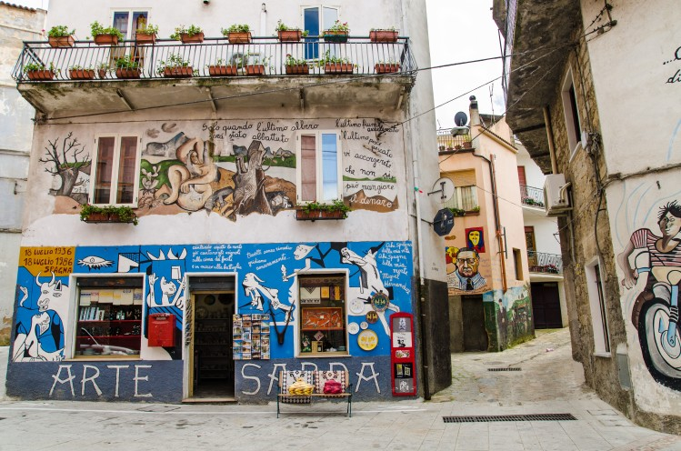Orgosolo, village de Sardaigne
