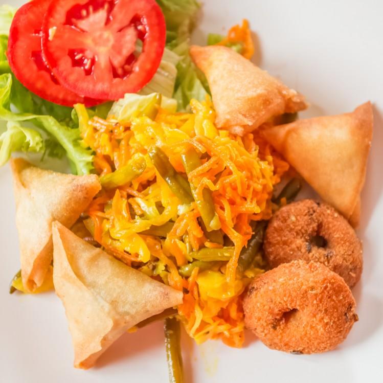 ile reunion cuisine samoussas achards spécialités