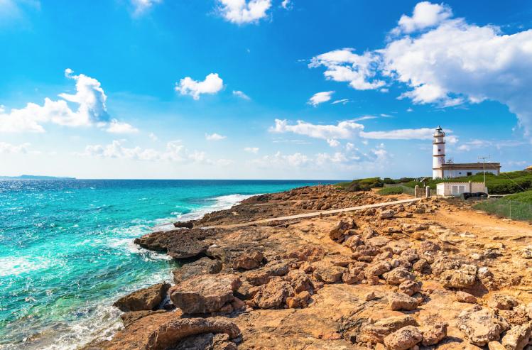 majorque baleares plage top phare salines panorama