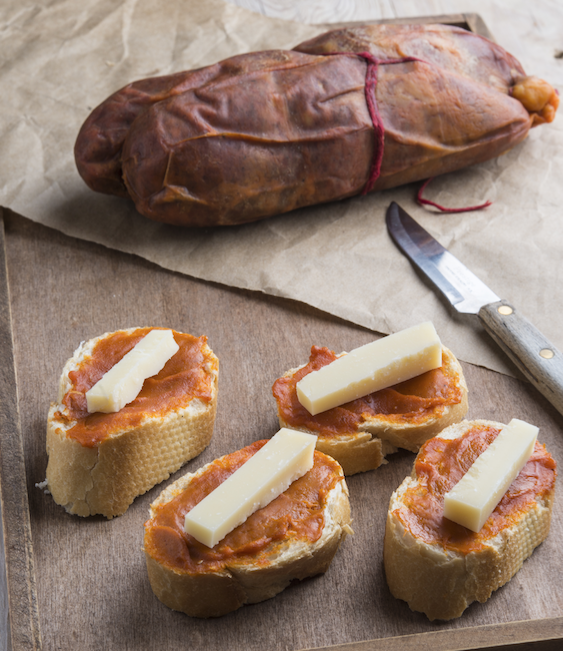 baleares iles cuisine specialites locales fromage pain