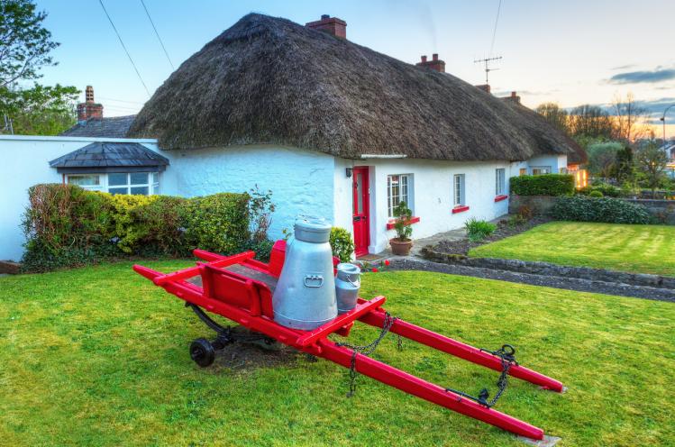 irlande village tops adare