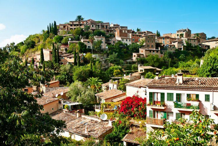 Fornalutx, Majorque village