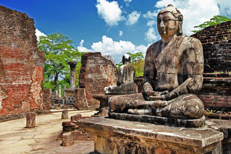 temple buddha polonnaruwa incontournable