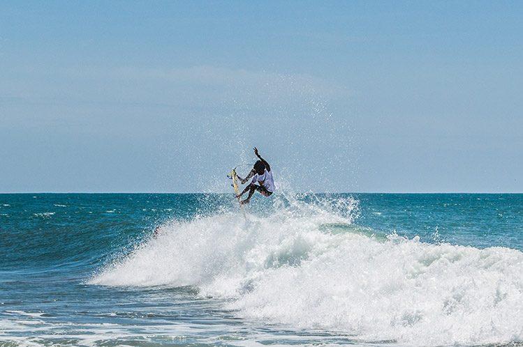 surfeur arum bay sri lanka logement
