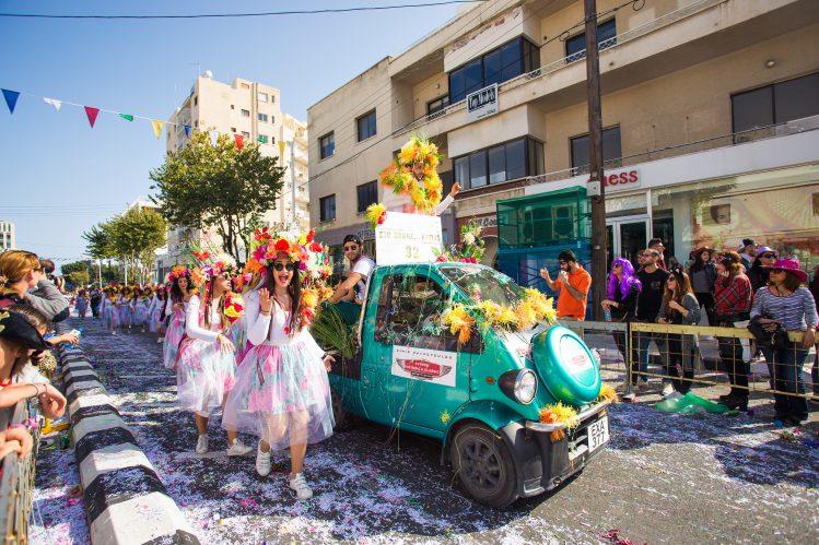 parade carnaval limassol chypre insolite