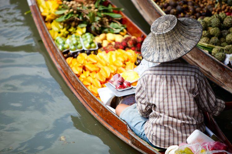damnoen saduak floating market bangkok thailande voyager vegan