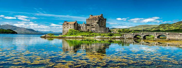 Eilean Donan Castle © Lukassek / Adobe Stock