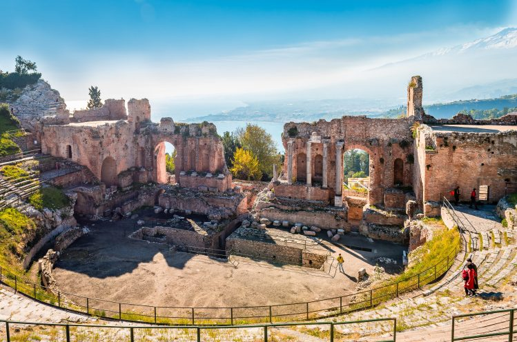 theatre de taormina sicile archeologie antique enfants