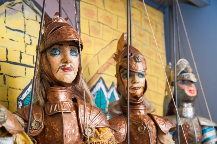marionnettes traditionnelles sicile enfants