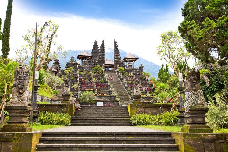 temple besakih mont agung bali lombok raisons d'aimer