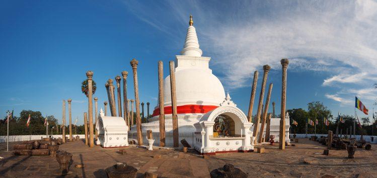 thuparamaya stupas anuradhapura sri lanka famille enfants