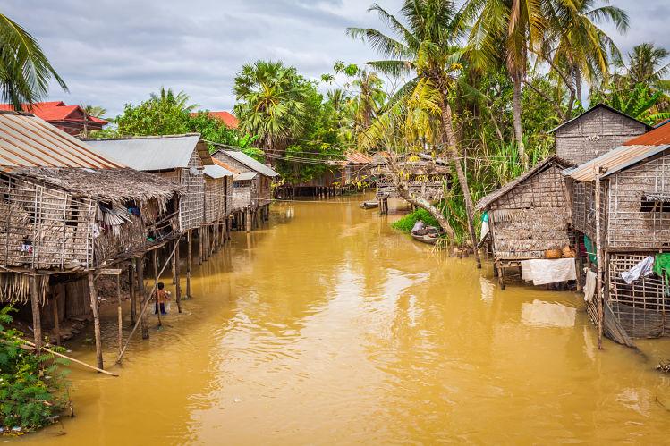 Asie Cambodge Lac Tonlé Sap Livres